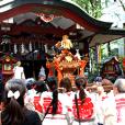 三崎稲荷神社例大祭に教職員が参加しました。