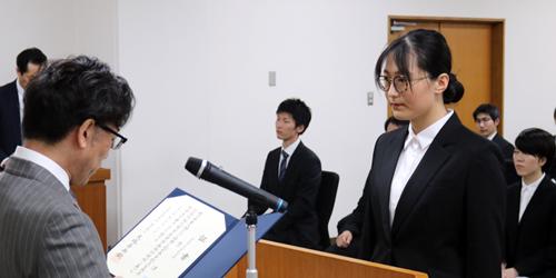 各種奨学生証書授与式が執り行われました。