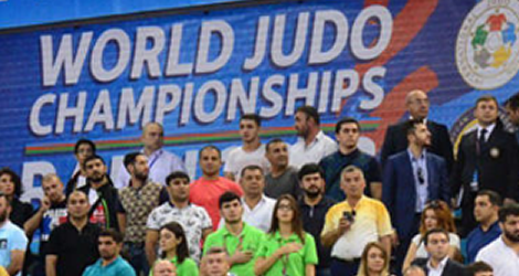 原沢久喜さん,向翔一郎さんが世界柔道選手権大会で金メダルを獲得しました。